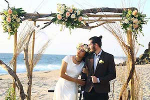 Eloping by the sea